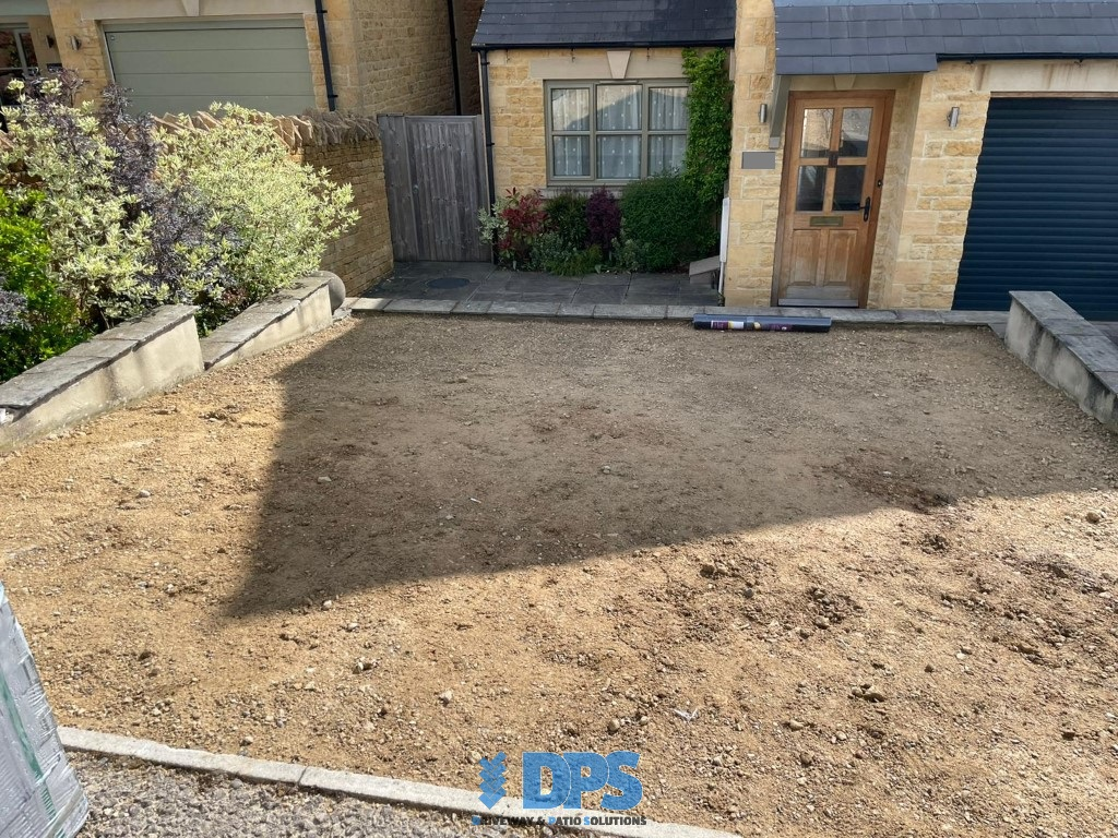 Tegula Paved Driveway in Stow-on-the-Wold (2)