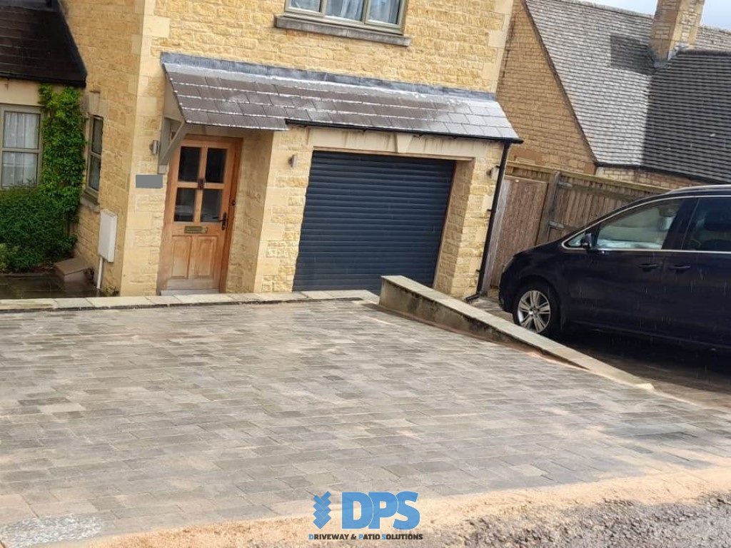 Tegula Paved Driveway in Stow-on-the-Wold (4)