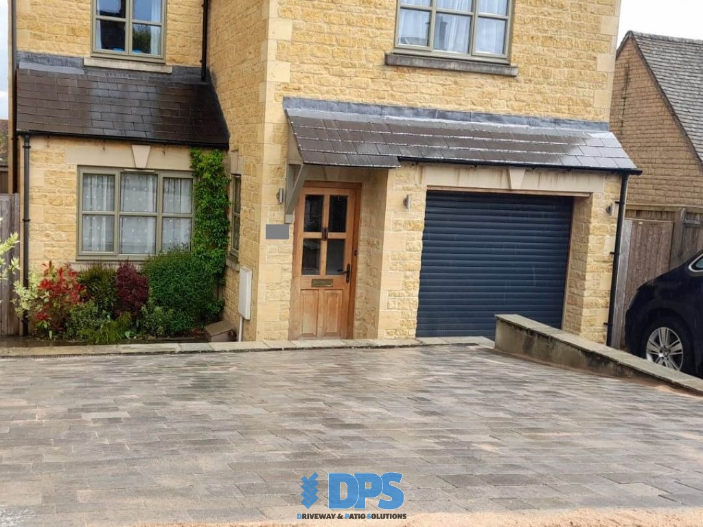 Tegula Paved Driveway in Stow-on-the-Wold (5)