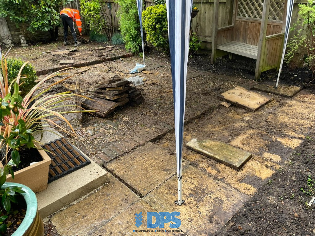 Tiered Sandstone Patio in Cirencester (1)