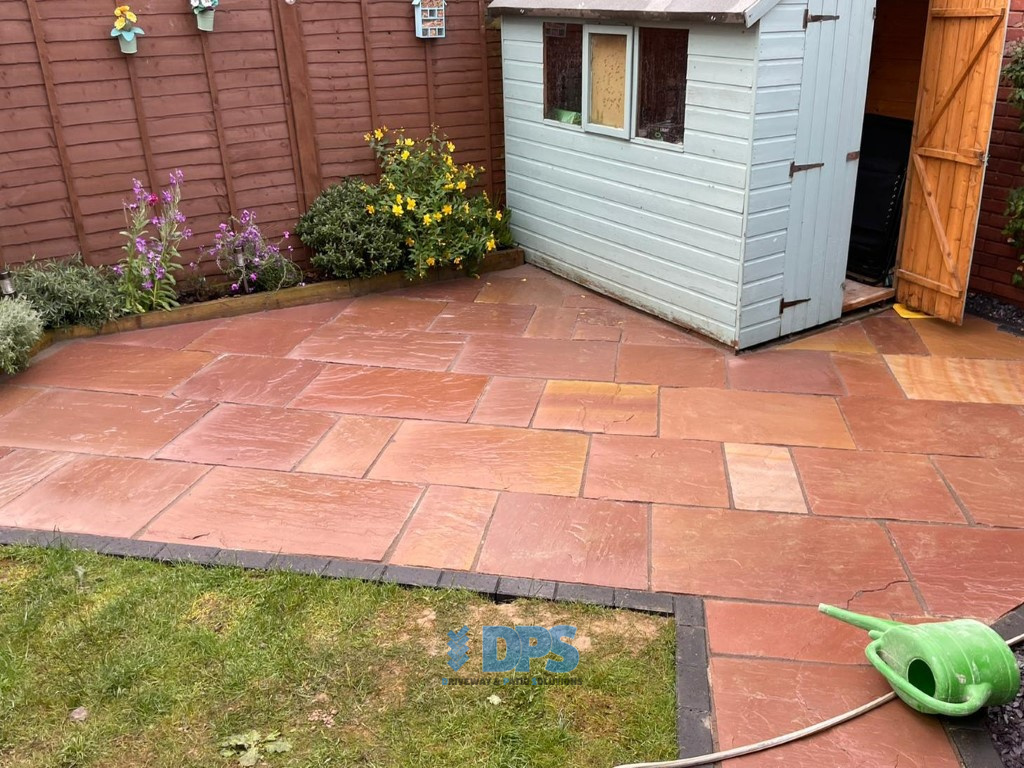 Raised Patio with Charcoal Border in Gloucester (4)