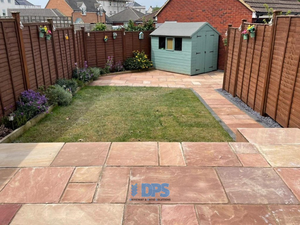 Raised Patio with Charcoal Border in Gloucester (5)